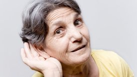 Генетики выяснили причины старческой глухоты