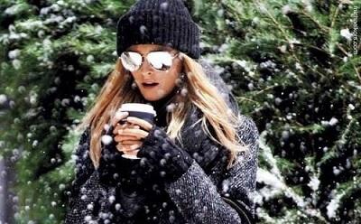 Медики рекомендуют зимой носить солнцезащитные очки