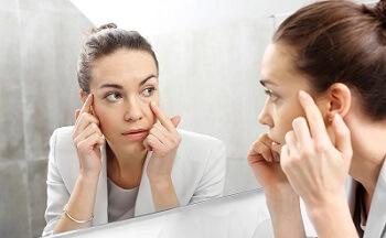 Ученые предлагают рассмотреть симптомы своих болезней в зеркале