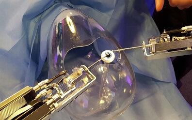 Ученые создали робота-микрохирурга для проведения операций на глазах