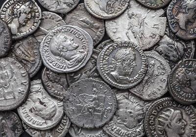 В Японии обнаружили во время раскопок древнеримские монеты