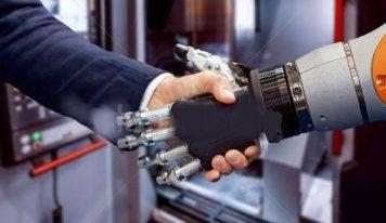 Рука робот поможет поздороваться на видеоконференции