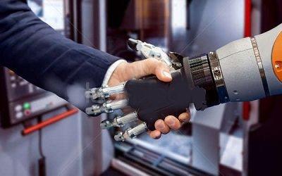 Рука-робот поможет поздороваться на видеоконференции