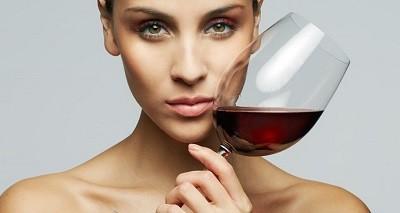 Красное вино уменьшает риск развития рака груди